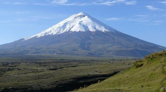 まるで富士山のような山。エクアドルコトパクシ山