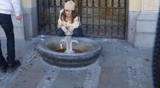 チェコにある飲む温泉カルロヴィ・ヴァリ